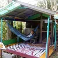 Közösségek - Hedonisia Hawaii Ecohostel & Fenntartható Esőerdő Pihenőpark