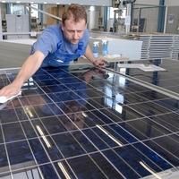 Felfutó napelem és napkollektor gyártás Magyarországon