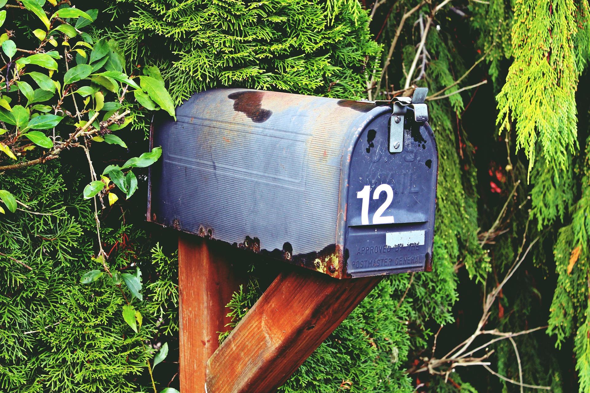 mailbox-1056324_1920.jpg