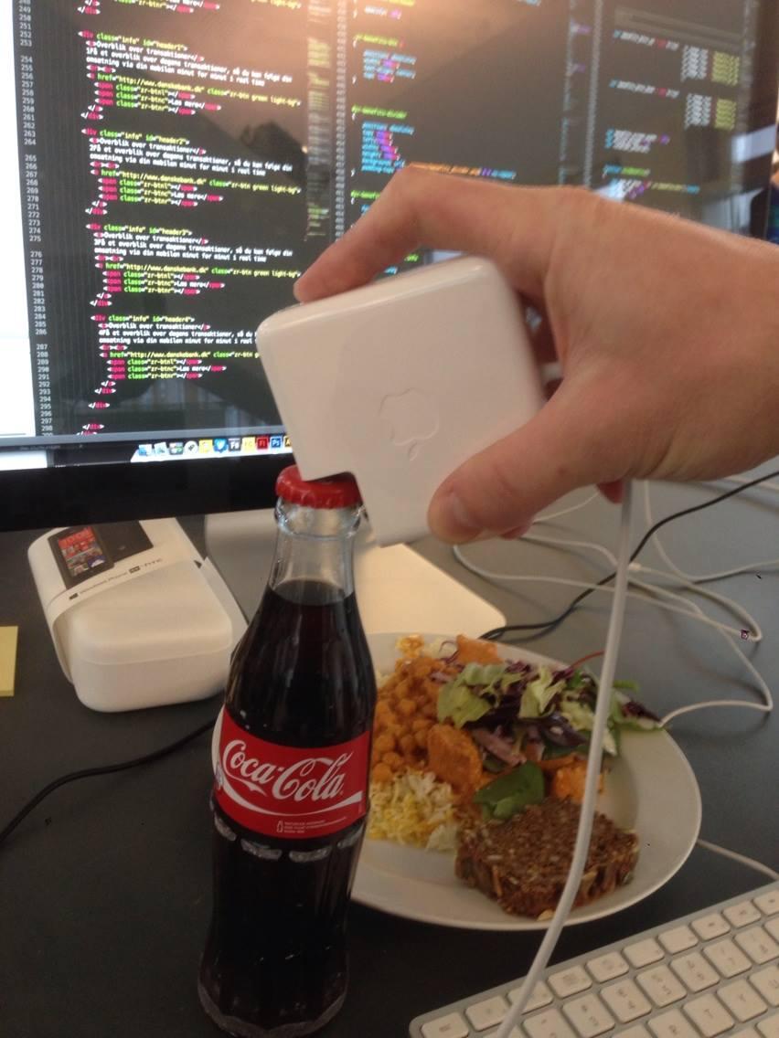 apple töltő, üveg nyitáshoz.jpg