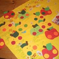 Almás dekoráció a gyerekszobába + almás mondókák