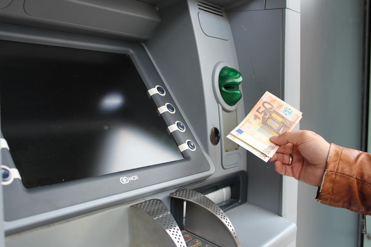 oktoberfest-atm-bankjegykiado-automata-munchen.jpg