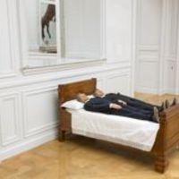 Világhírű olasz művész Párizsban - Maurizio Cattelan