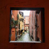 Bologna hét titka