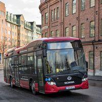 A Scania gyors, vezeték nélküli töltést tesztel városi forgalomban