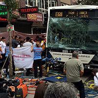 Tizenketten haltak meg az ankarai buszbalesetben. Frissítve!