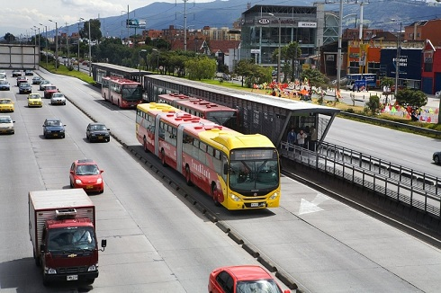 Volvo_B340_biarticulated_Colombia.jpg