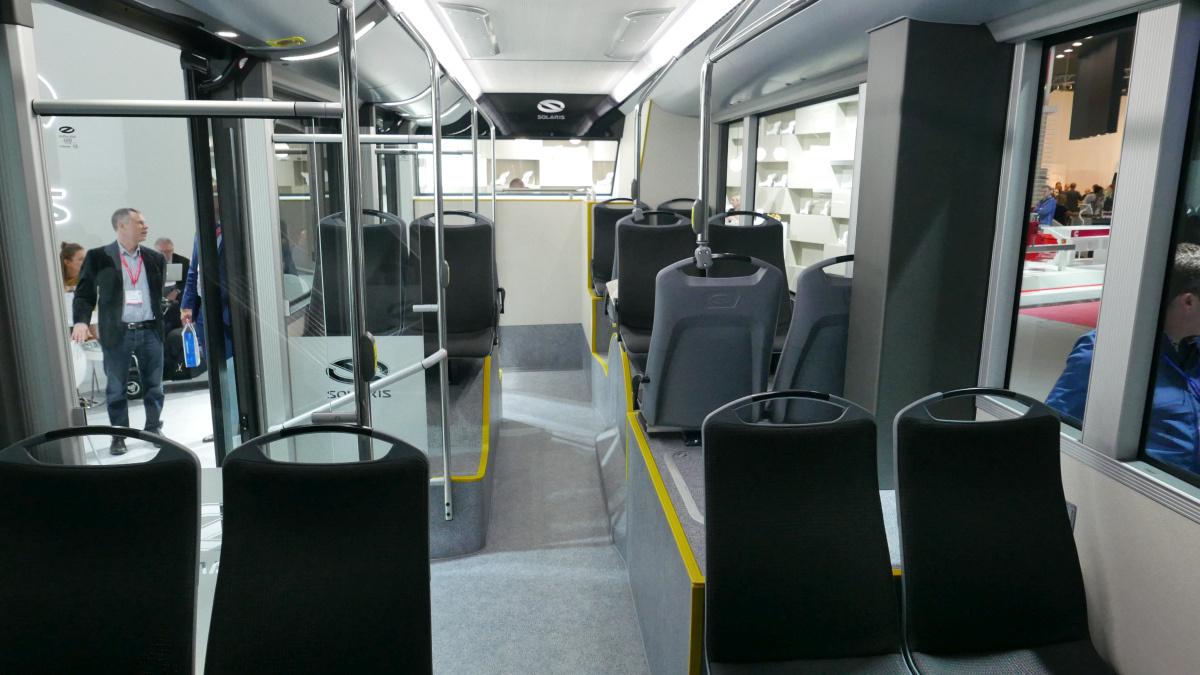 Solaris Urbino 18 electric. Az akkuk elhelyezése is sok holtteret szül.