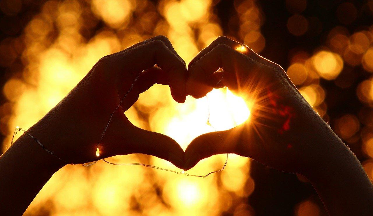 heart-3541670_1280.jpg