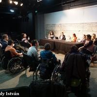 Öt árnyalat - és még több kérdés.... a mozgáskorlátozott emberek lakhatásáról beszélgettünk