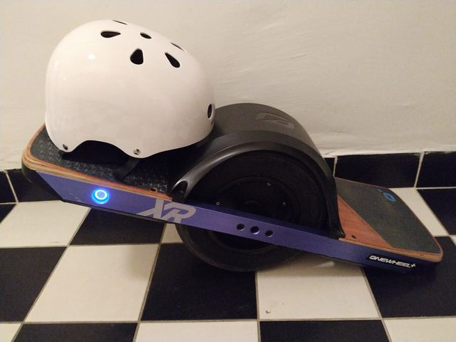 The Onewheel arrives and cuts my comb