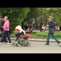 Babakocsis gerilla akció a Deák téren