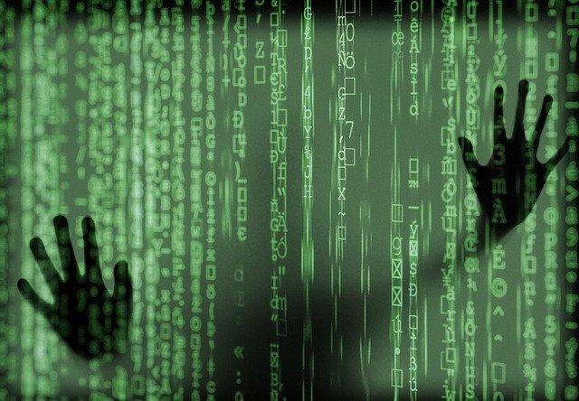 hacker-4031973_640.jpg