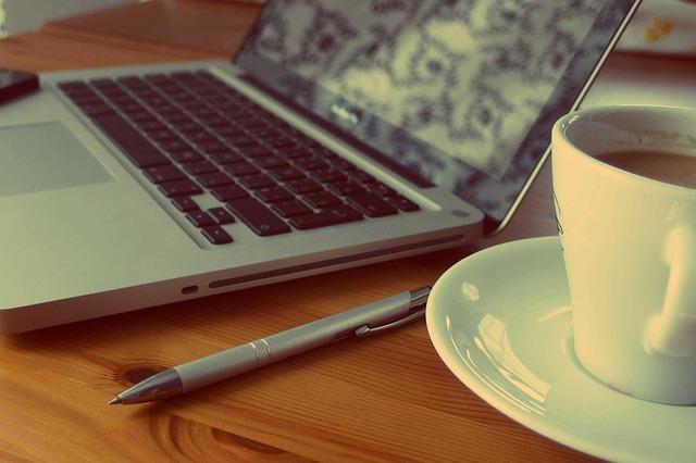 macbook-925480_640.jpg