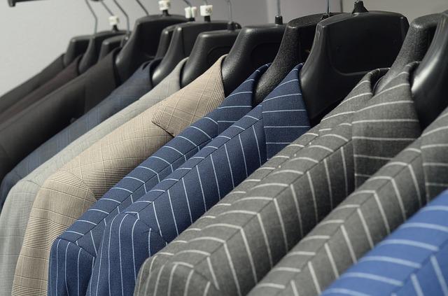 suit-1971670_640.jpg