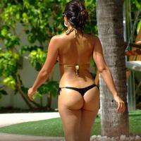 Nude Beach: Vida Guerra