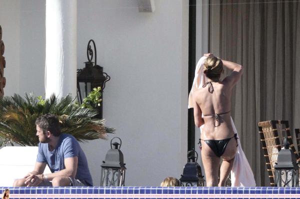 Jennifer Aniston (8).jpeg