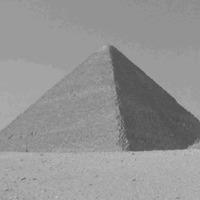 23.08.09 - Piramis illúzió