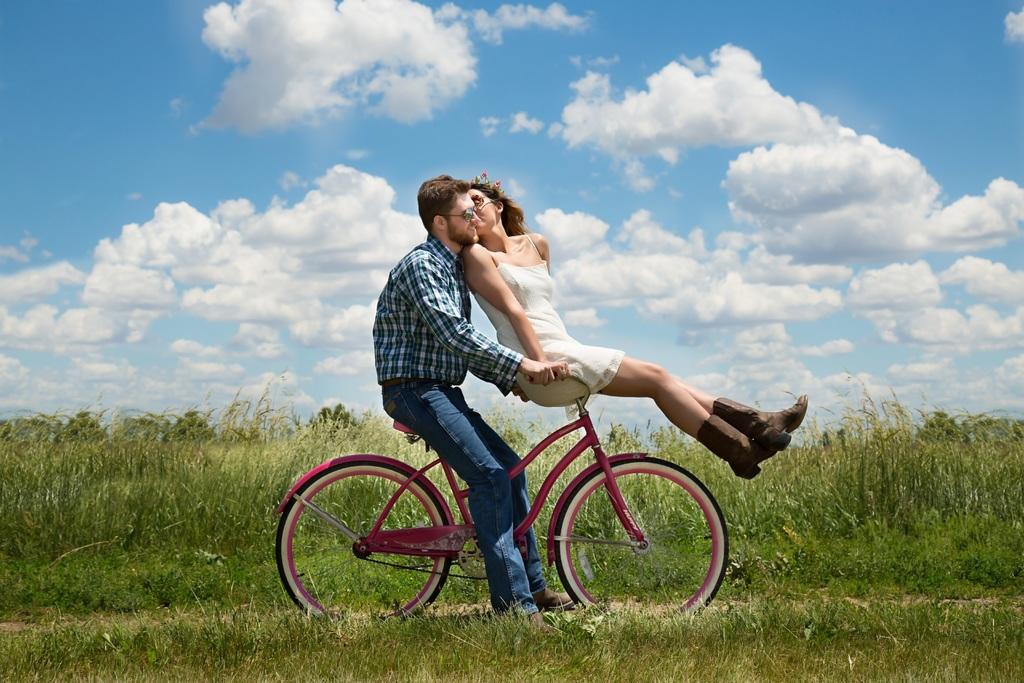 grass-meadow-bicycle-bike-love-vehicle-796549-pxhere_com.jpg