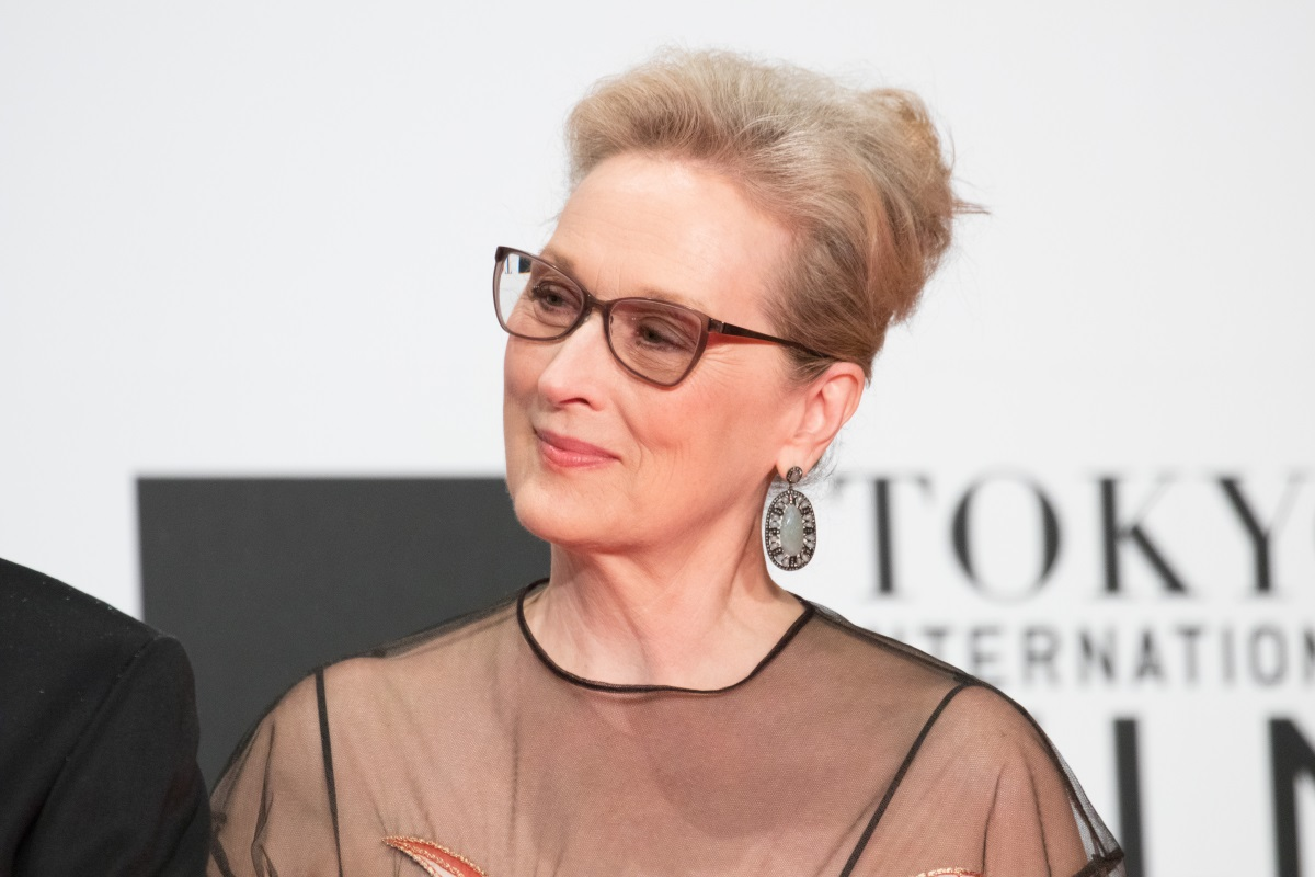 meryl_streep_from_florence_foster_jenkins_at_opening_ceremony_of_the_tokyo_international_film_festival_2016_33515581311.jpg