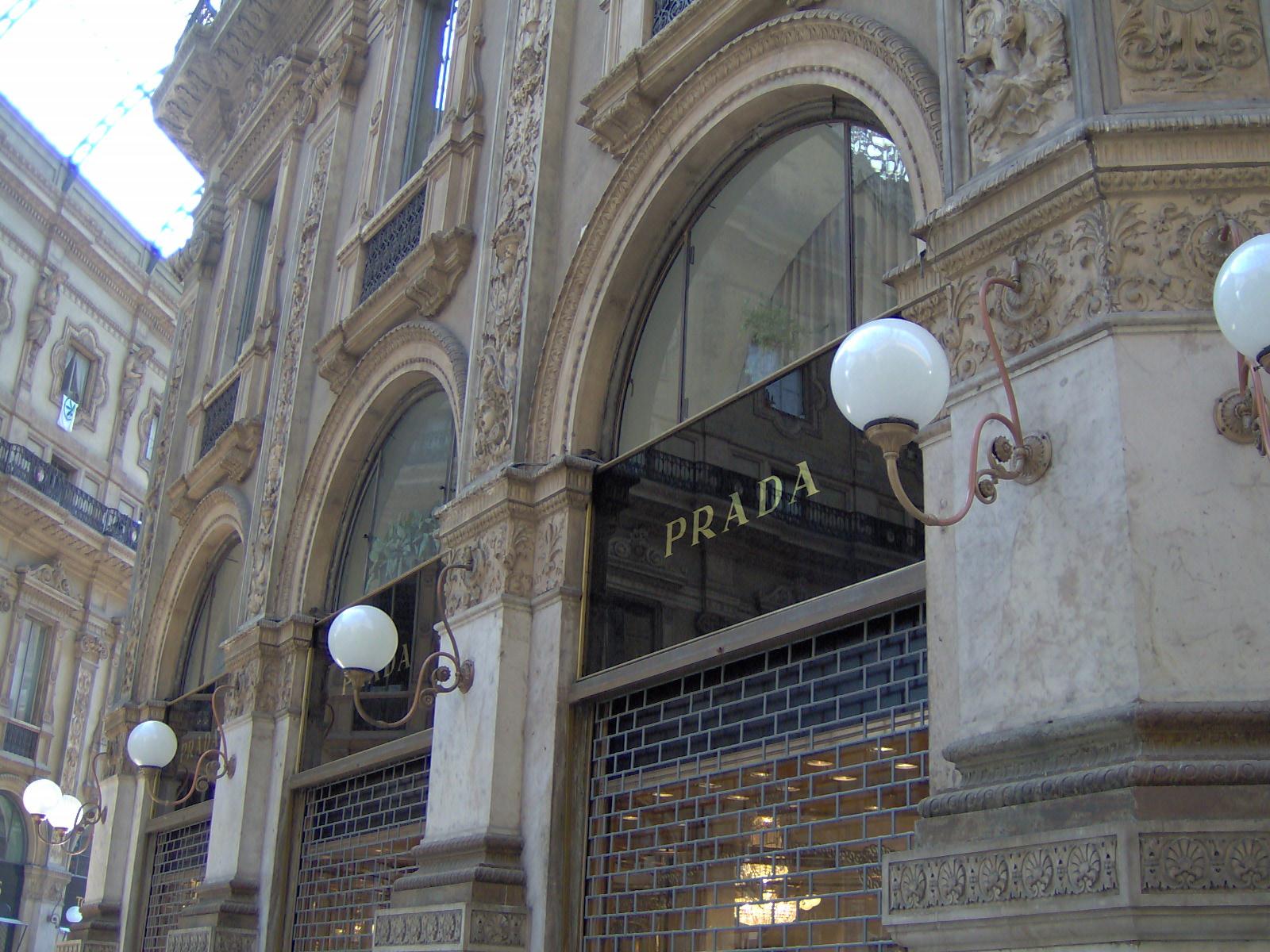 prada_boutique_at_the_galleria_vittorio_emanuele_ii_in_milan_italy.jpg