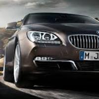 Happy- BMW múzeum Münchenben