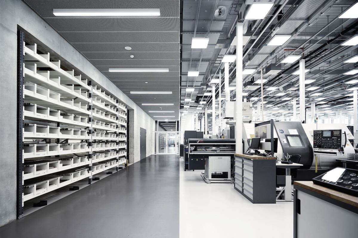 iwc-new-manufacture-the-cutting-edge-manufakturzentrum-metal-bar-storage-and-case-production.jpeg