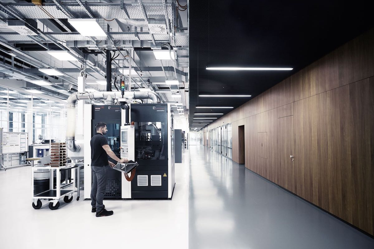 iwc-new-manufacture-the-cutting-edge-manufakturzentrum-movement-parts-production.jpeg