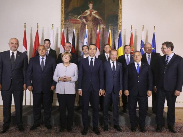 Orbán Viktor hivatalosan is beismerte, hogy hülyébb, mint a többiek