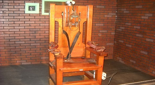 electric-chair-72283_640.jpg