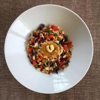 Thai kókusztejes-mogyorószószos zöldséges rizs