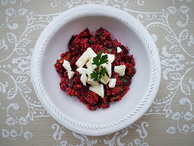 Céklás quinoa saláta