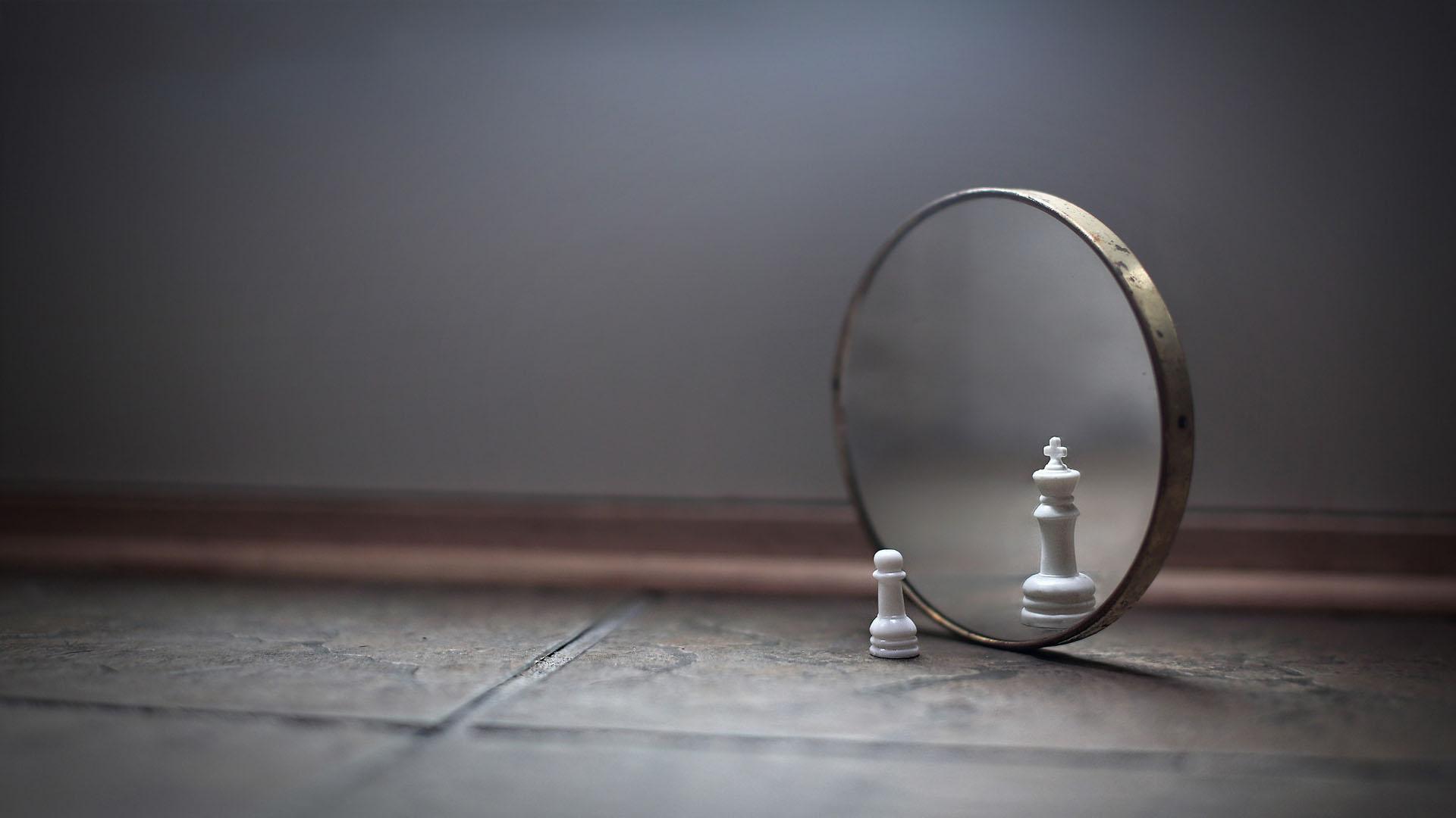 853441-mirror.jpg