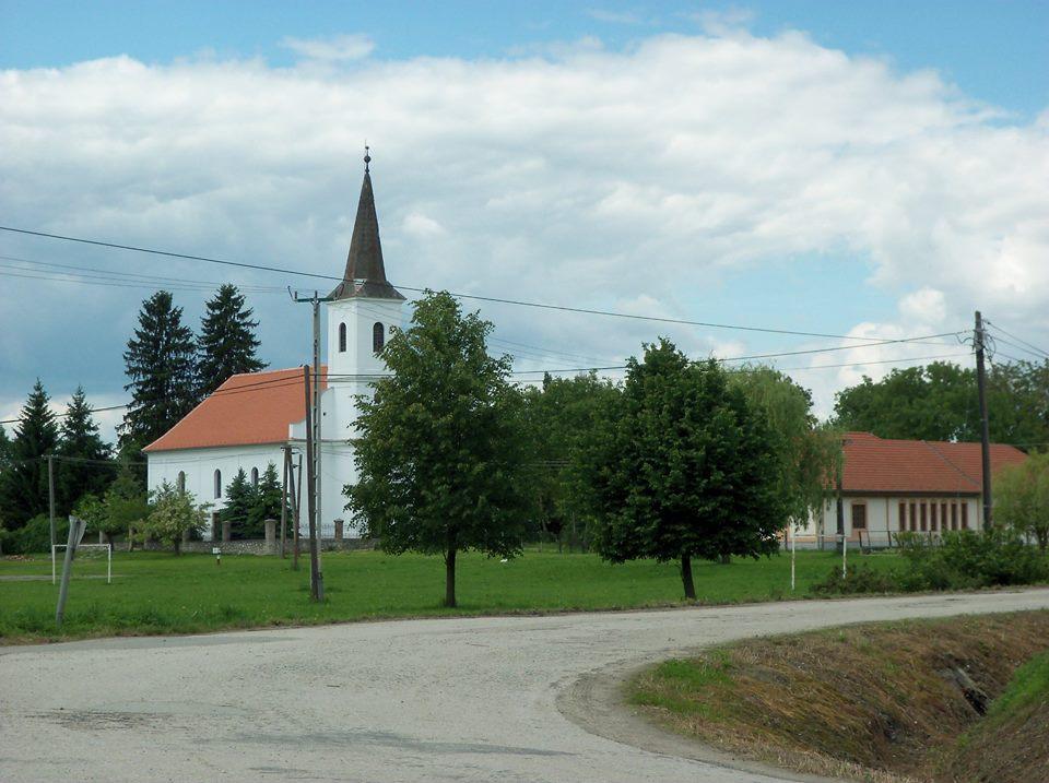 Beérvén a faluba
