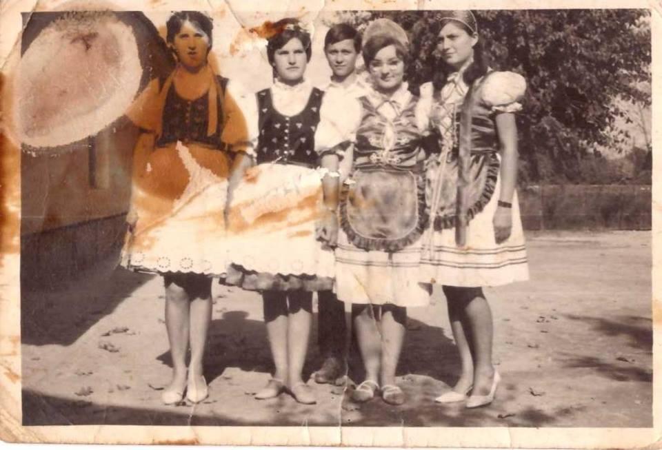 1965 körül<br />Mészáros Lenke, Ifkovics Anikó, Diósdi Tibor, Biró Jolán, Hegedüs Erika<br />