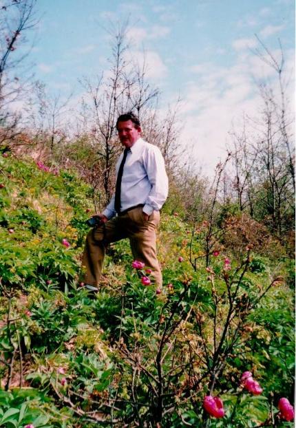Bánáti rózsákkal körülvéve