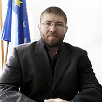 imrik_csaba_2.jpg