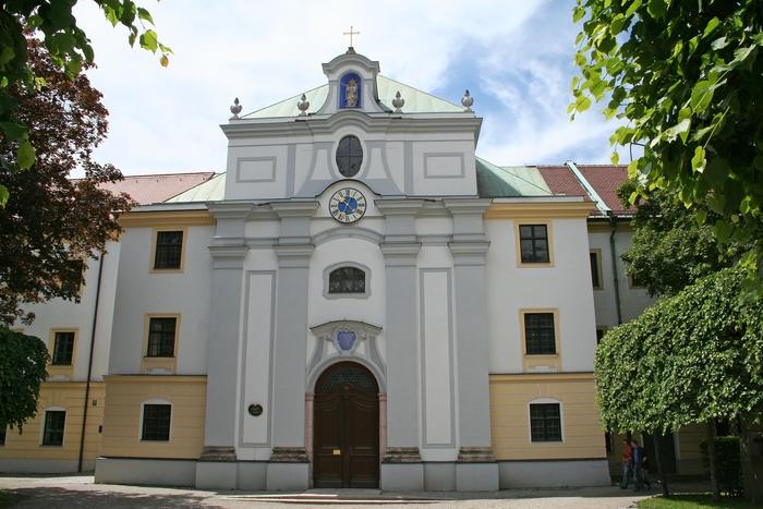00_stanna_klosterkirche_muenchen.jpg
