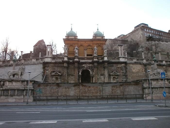 01_A Varbazar kozponti resze 2013 januarjaban.JPG
