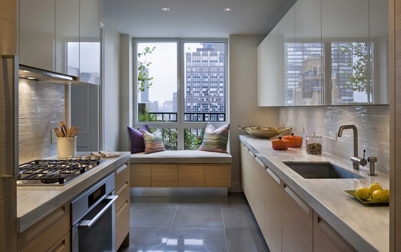 New-York-kitchen-with-a-window-seat.jpg
