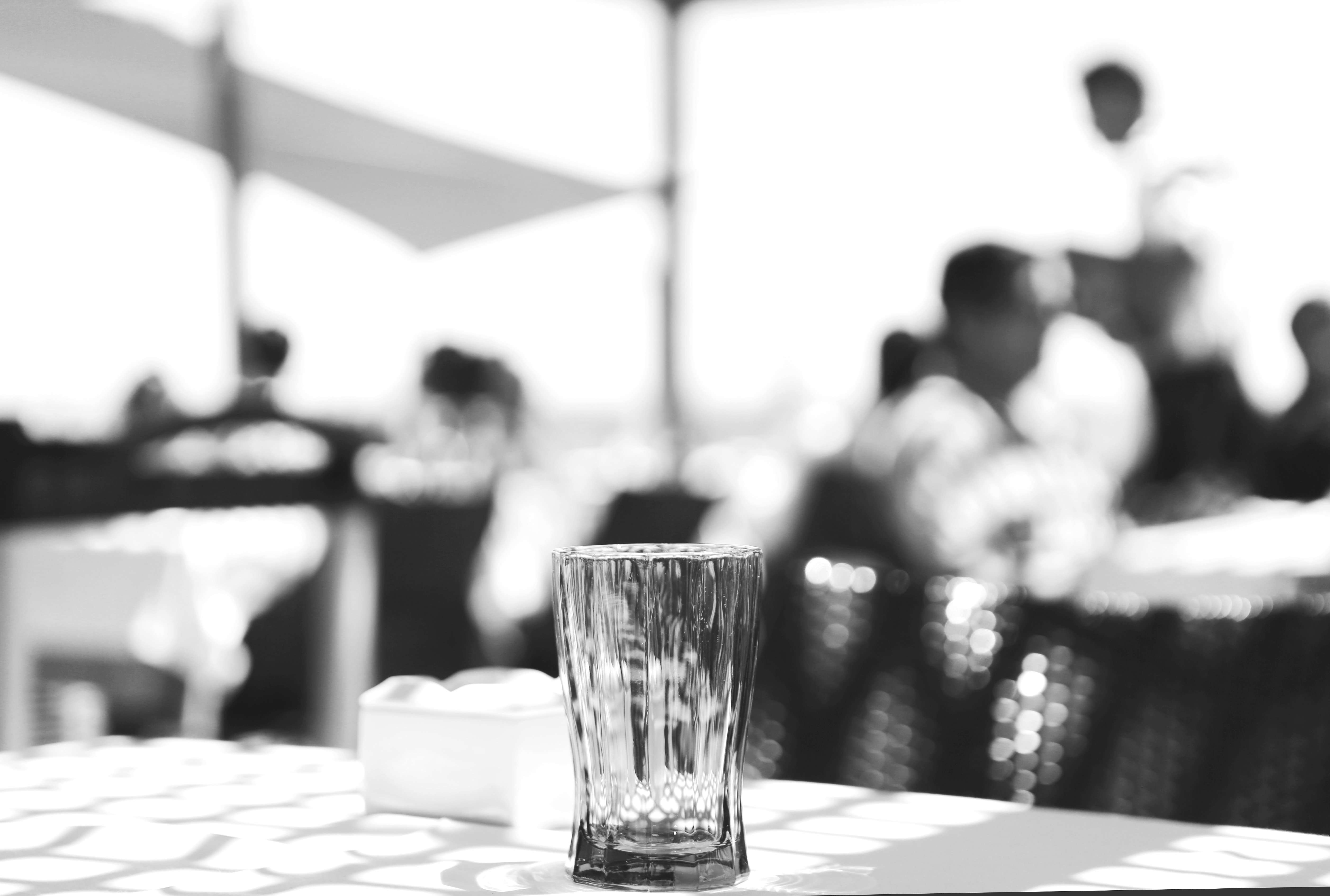 2016_10_life-of-pix-free-stock-glass-terrace-peoples-leeroy.jpg