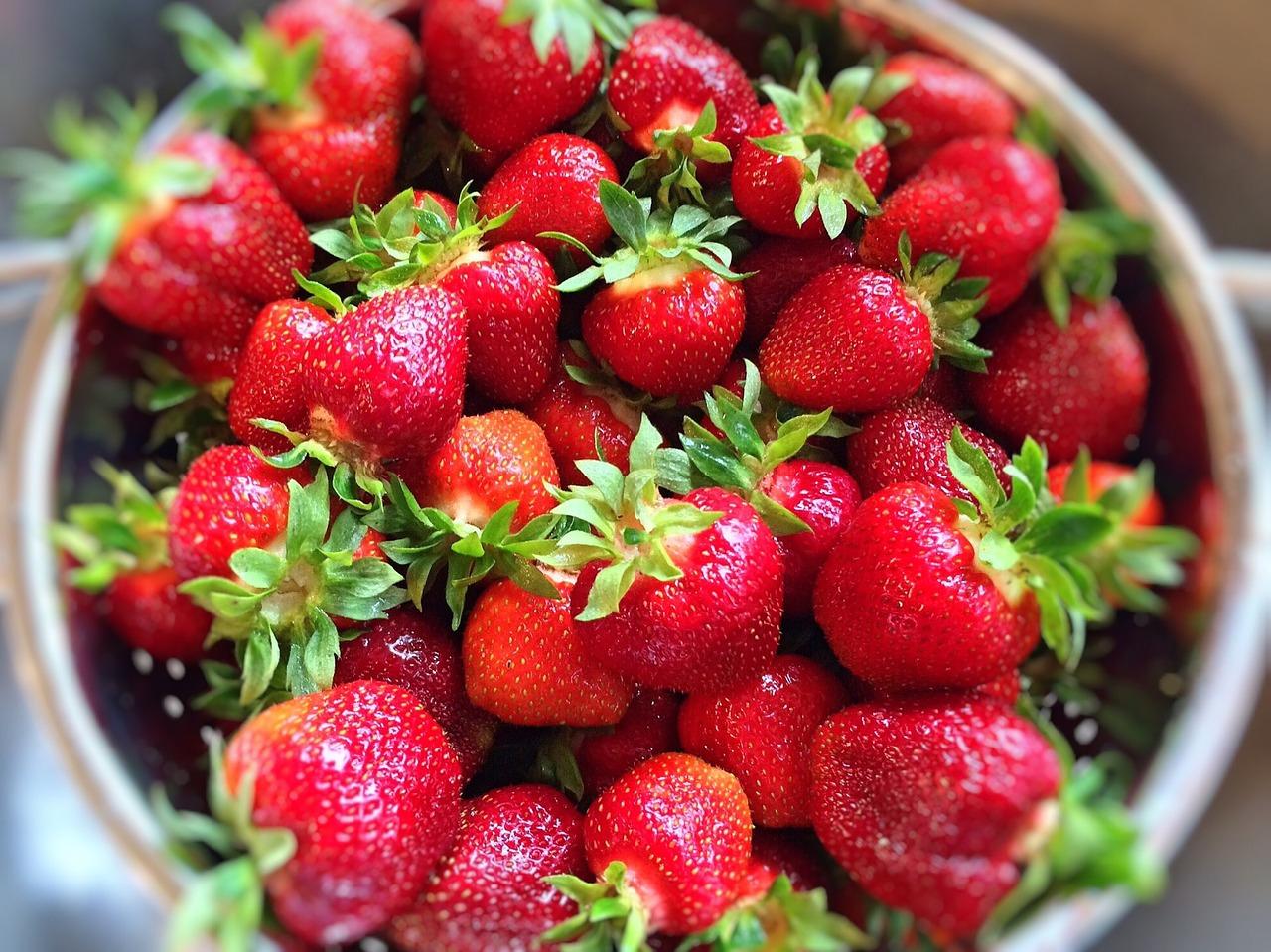 strawberries-809869_1280.jpg