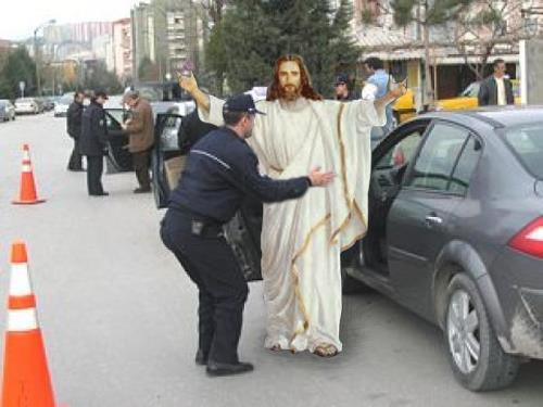 Jézus rendőri szigor.jpg