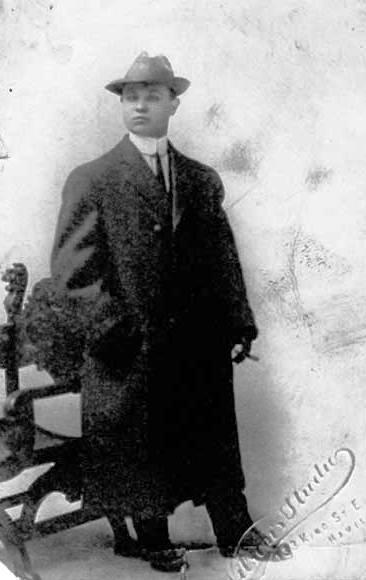Capone 17 évesen.jpg