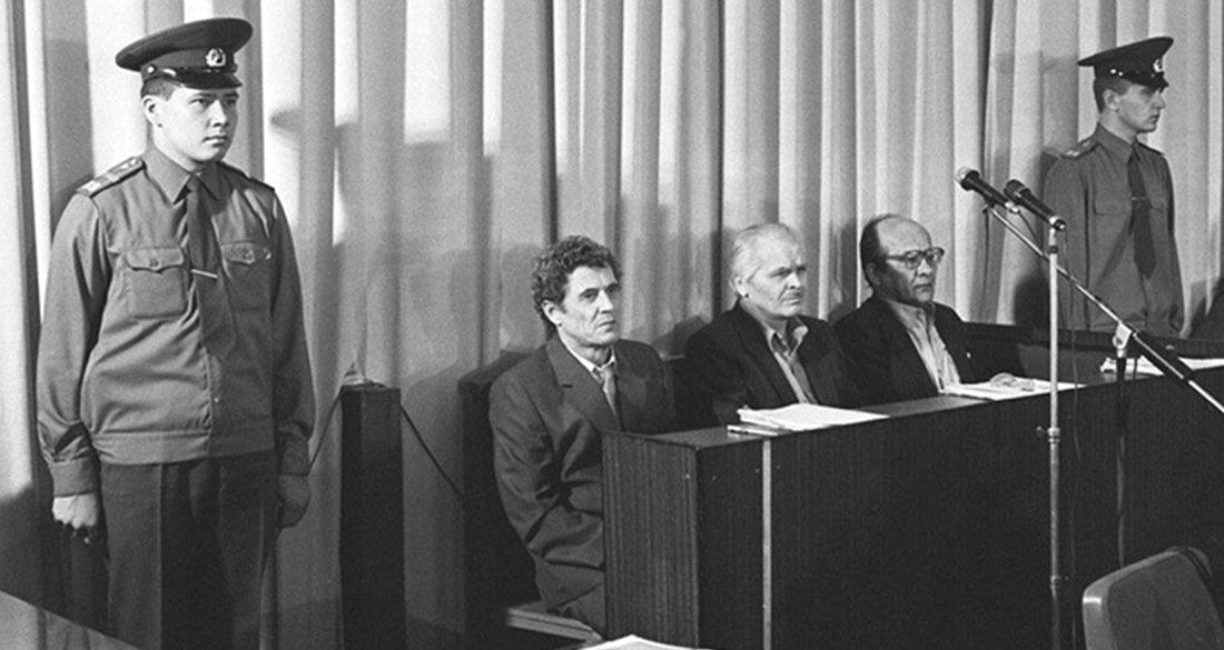 dyatlov-sitting-in-court-featured.jpg