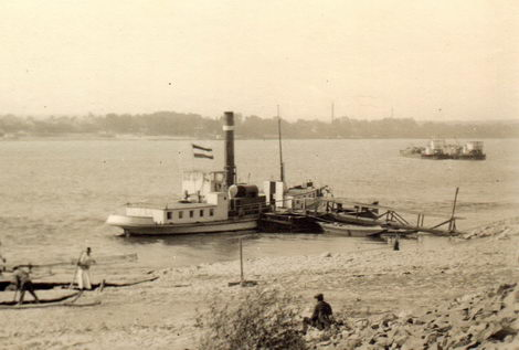 A II. LAJOS Mohácson az 1930-as években.<br /><br />Forrás: http://www.hajoregiszter.hu/tarsasagok/belvizi/mohacs_nagykozseg/63