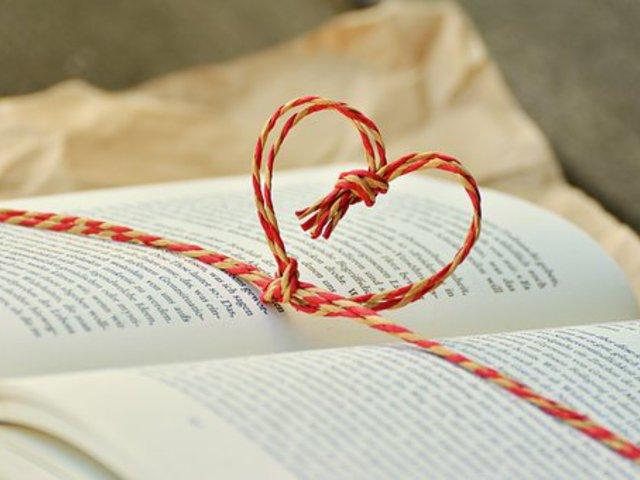 Műfordítási polémiák: milyen a jó versfordítás és egyáltalán mitől vers a vers?