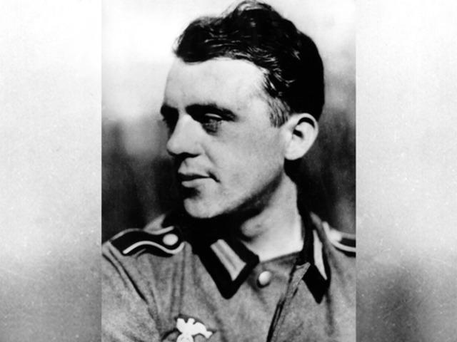 Heinrich Böll - egy német író magyar tüzértiszti köpenyben