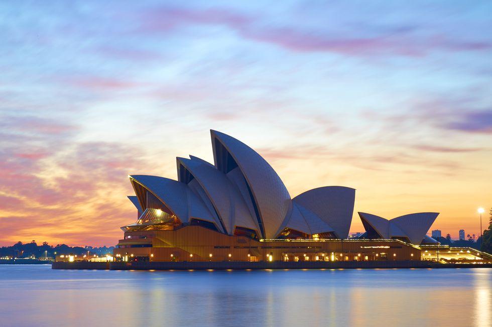 sydney-opera-house-at-dawn-.jpg