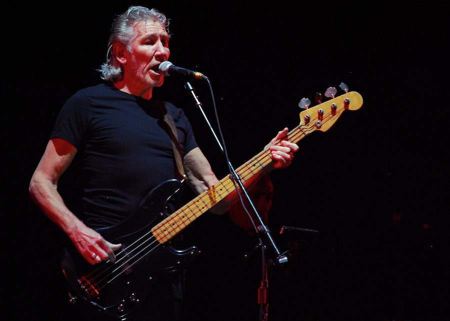 roger_waters_the_wall_in_ottawa_7451689640.jpg